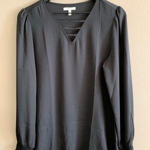 Black long sleeve blouse 🌺
